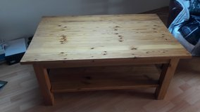Sturdy wooden coffee table - v. good condition in Hohenfels, Germany