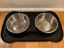 small dog or cat feeding set in Naperville, Illinois