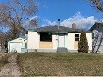 lovely and affordable 3bed and 1bath available now for rent. in Yorkville, Illinois
