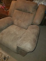 Recliner (needs repair) in Alamogordo, New Mexico