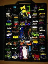 big lot of 93 Hot Wheels & case in The Woodlands, Texas