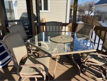 Patio Table and 6 chairs in Chicago, Illinois