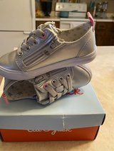 girls silver shoes size 7 in Fort Leonard Wood, Missouri