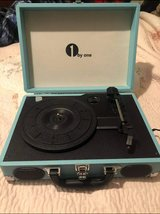 1byone Wireless Turntable HiFi System with 36 Watt Bookshelf Speakers, Vinyl Record Player with ... in Kingwood, Texas