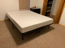 Queen Bed and Mattress in Alamogordo, New Mexico