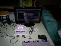 super nintendo & 2 controllers & hookups & 5 great games - see pictures - works great in Elizabethtown, Kentucky