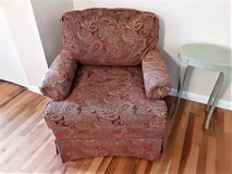 2 comfy chair beautiful in Alamogordo, New Mexico