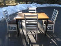 Table & 4 Chairs in Yorkville, Illinois