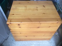 SOLID WOODEN BOX WITH HINGED LID in Lakenheath, UK