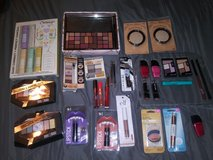 Makeup bundle in The Woodlands, Texas