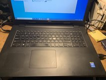 "Dell Inspiron 17 17.3"" 640 GB win 10 DVD-RW in Fort Campbell, Kentucky"