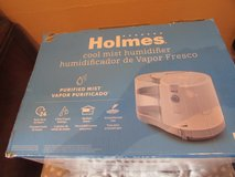 Holmes Cool mist humidifier in St. Charles, Illinois