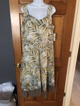 New Green Tropical Print Sleeveless Dress - 0X in Naperville, Illinois