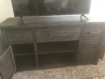 TV Console in Schaumburg, Illinois