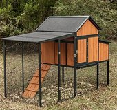 Assembled chicken coop/bunny hutch in Beaufort, South Carolina