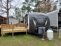 CAMPER 2015 Wildwood Heritage Glen Lite-Forest River 35 ft Camping Trailer in Camp Lejeune, North Carolina