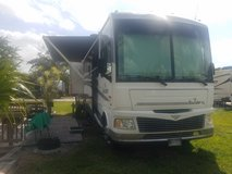 2006 Fleetwood Bounder 35E/Ft - Also for sale with a Jeep Trailhawk combination in Alamogordo, New Mexico