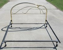 California king brass headboard / head board with bed rails / note rails do have center support ... in Warner Robins, Georgia