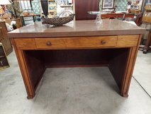 Desk-Large in Fort Campbell, Kentucky