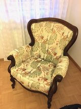 Decoration armchair with solid wooden frame in Stuttgart, GE