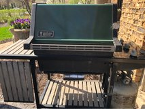 Weber Propane Gas Grill. Works Great!! in Naperville, Illinois
