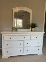 *LIKE NEW* Girls dresser, mirror and nightstand in Naperville, Illinois