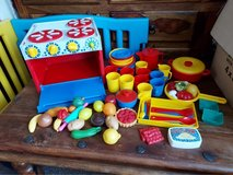 gowi toy kitchen with accessories in Lakenheath, UK
