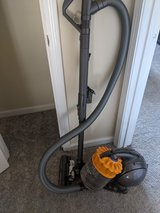 Dyson Big Ball Multi Floor Vacuum Cleaner in Fort Campbell, Kentucky