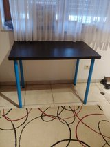 Small desk/table in Baumholder, GE