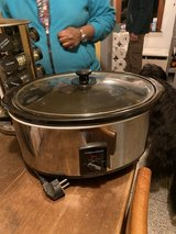 Large Slow Cooker (like-new)! 220v in Spangdahlem, Germany