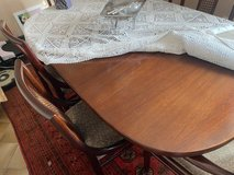 Dinning room Table - extendable 6-8 people with 8 chairs good condition in Wiesbaden, GE