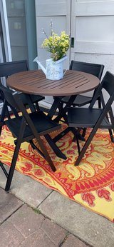 5pc folding table and chairs. in Naperville, Illinois