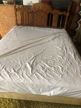 queen size bed set  sale moving to new location in Fort Polk, Louisiana