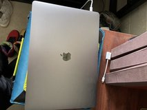 Very lightly used 2021 MacBook Pro in Tacoma, Washington
