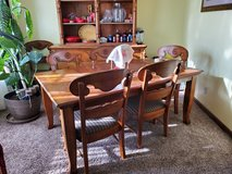 dinning room table in Fort Bliss, Texas