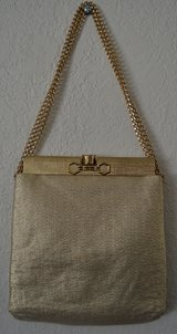 REDUCED VINTAGE PURSE BAG GOLD in 29 Palms, California