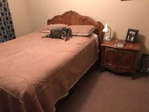 Moving QUEEN bedroom set thomasville OBO in Bellaire, Texas