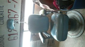 barber chair in 29 Palms, California