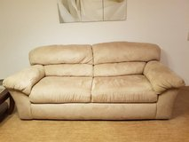 couch - barely used in Ramstein, Germany