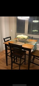 Table with 4 chairs in Fort Lewis, Washington
