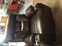 Brand new leather lift recliner in Alamogordo, New Mexico