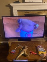 60 inch Visio TV with remote in Lawton, Oklahoma