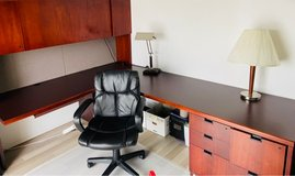 Solid wood L-shaped Executive Desk in Wiesbaden, GE