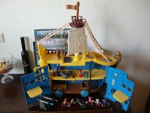 Disney Jake and The Neverland Pirates Mighty Colossus Rolling Ship with Figures in Grafenwoehr, GE