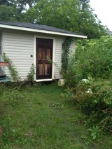 nice wooden and vinly side shed in Fort Polk, Louisiana