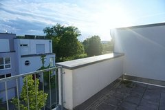 Spacious house next to the rhine river - 10 min to Clay in Wiesbaden, GE