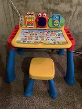 V Tech activity & learning desk in St. Charles, Illinois