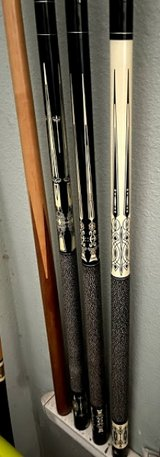 Pool Cue, white on black in 29 Palms, California