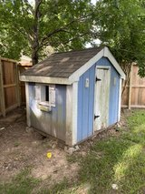fixer-upper playhouse or chicken house in The Woodlands, Texas