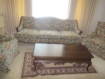 antique 5 pc Living Room Set Sofa couch coffee table in Miramar, California